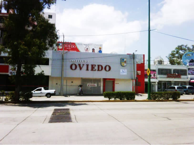 Abre 1er plantel Oviedo en Av. Insurgentes