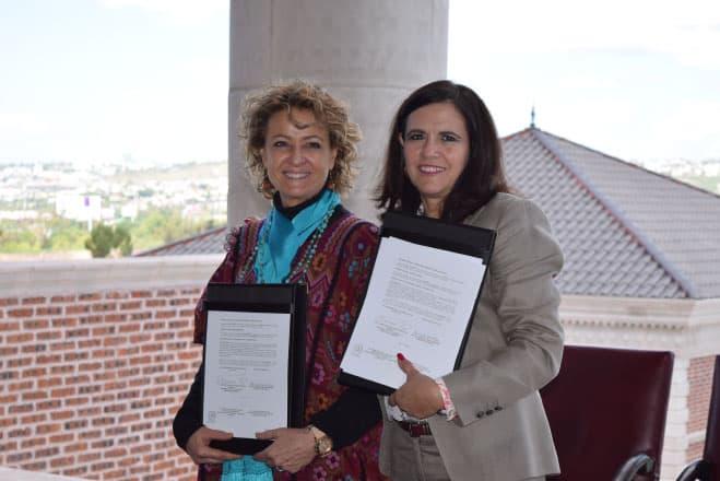 Firma de convenio con la Universidad Claustro de Sor Juana